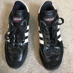 Adidas men's classic black/white Samba US8 shoe